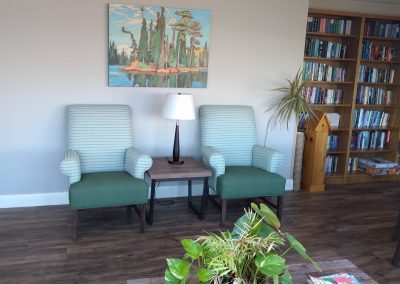 Set and read in comfort - Library